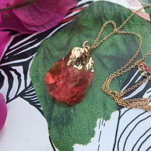 🌵 Red Crystal Dipped in Gold Necklace